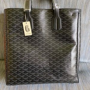 1/50 Limited Edition Goyard Voltaire
